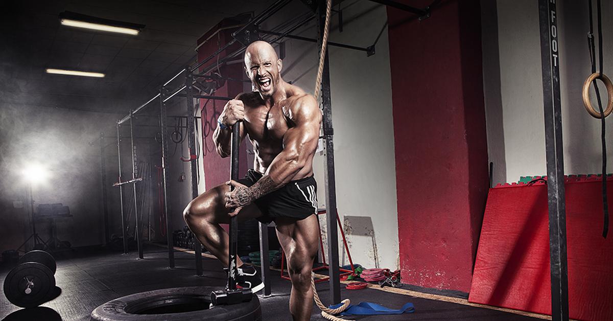 Тренировка боксёра с железом: какие упражнения выполнять