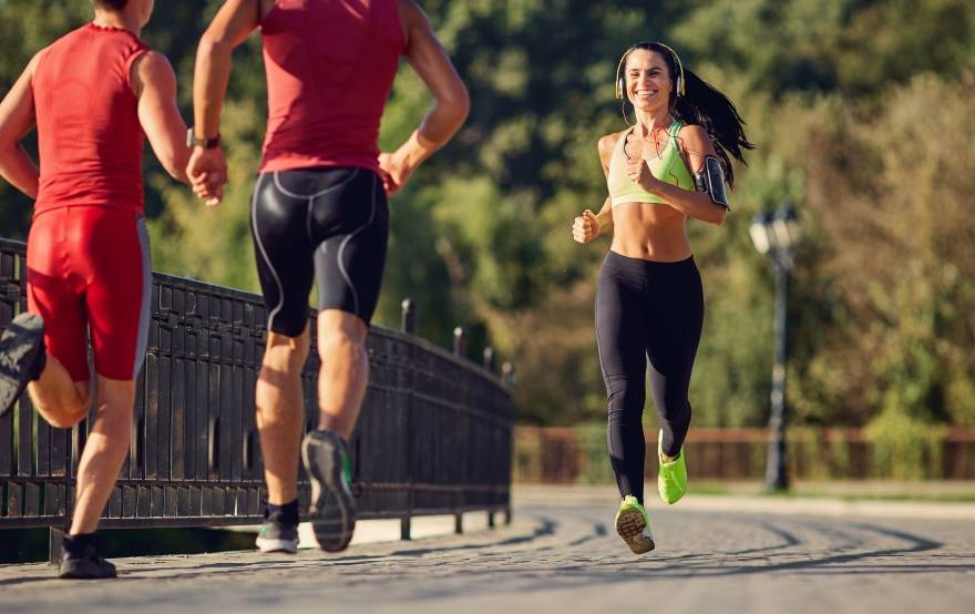 Как заставить девушку заняться спортом и похудеть?