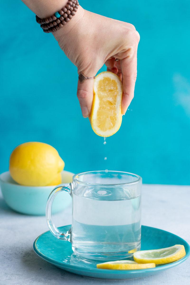 Вода с лимоном: польза и вред. 7 научных фактов.