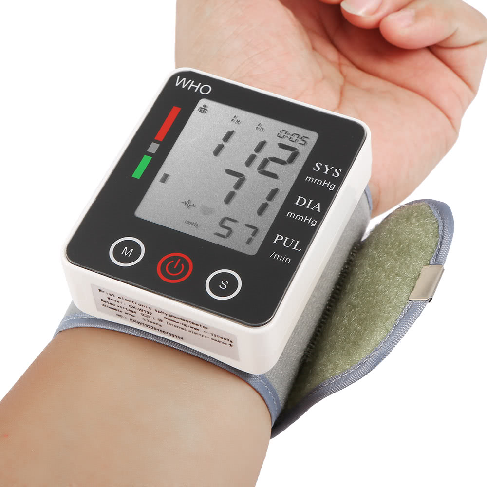 Фитнес-браслеты и смарт-часы с измерением давления и пульса