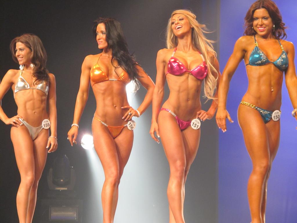 Как стать бикинисткой с нуля и выйти на соревнования?