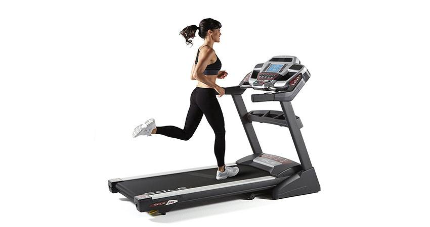 Польза беговой дорожки для похудения - как правильно заниматься и программы тренировок для мужчин или женщин