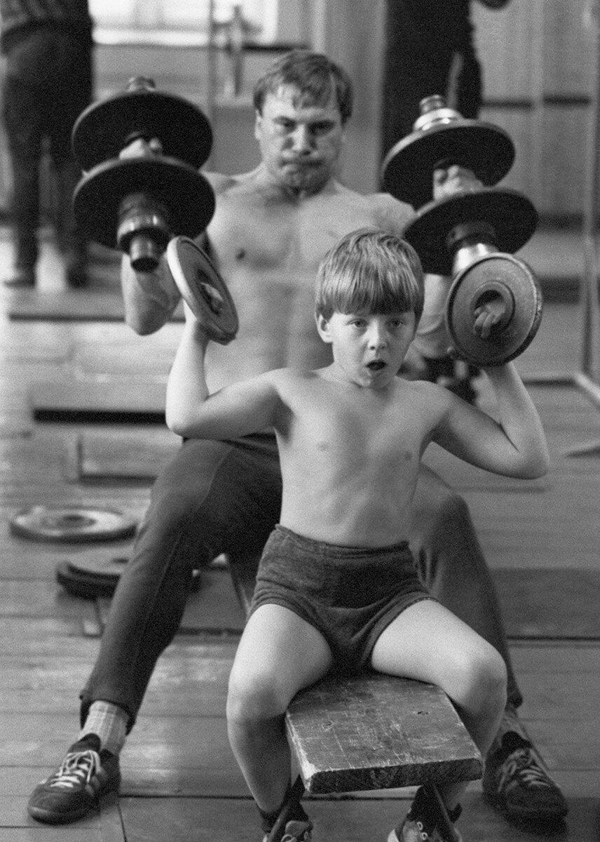 Какие были тренажеры в спортзалах во времена ссср?