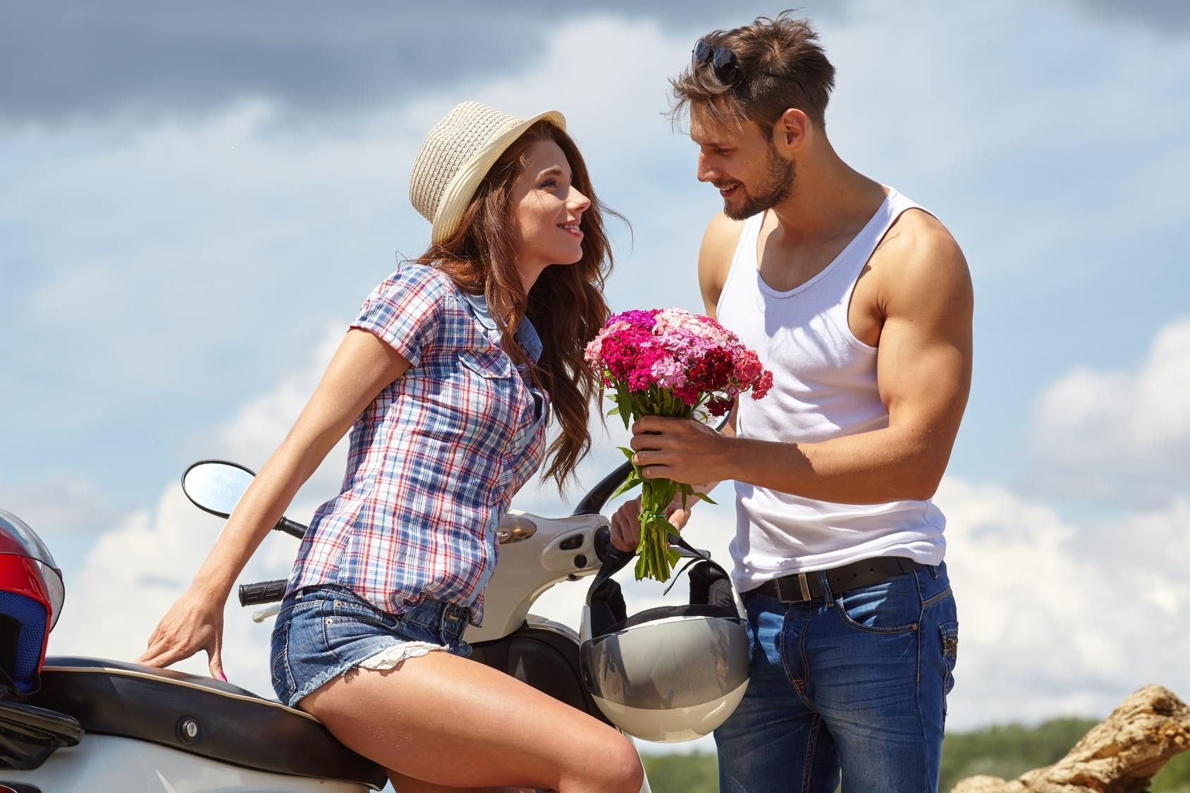 Как найти девушку для создания семьи: где и как искать, на что обращать внимание?