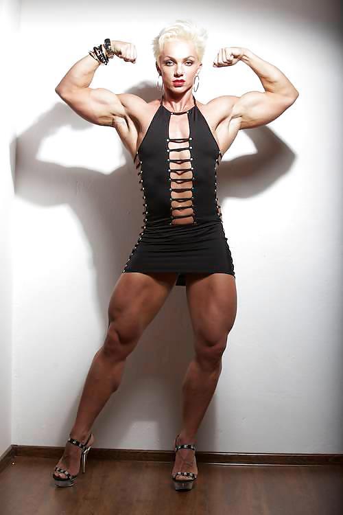7 титанических бодибилдерш, которые обожают женственные платья