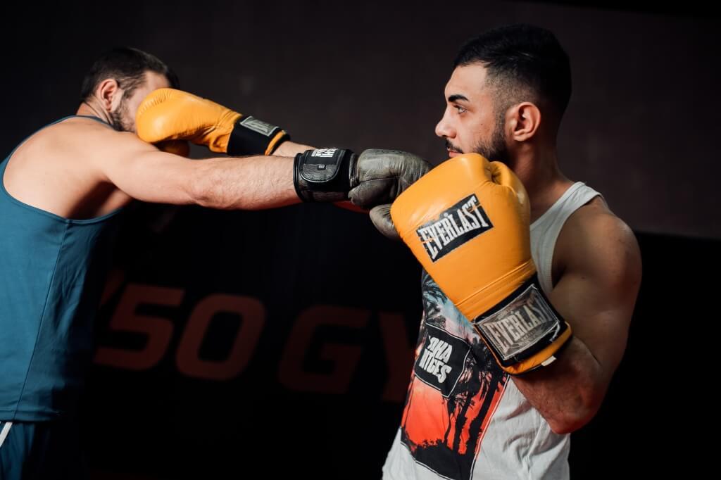Этот вид спорта требует внушительный мышечной силы! силовые тренировки боксеров: особенности и рекомендации