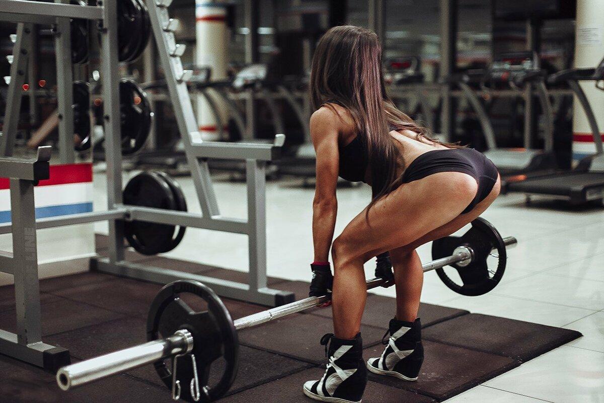 Тренировка спины для девушек: основные упражнения в тренажерном зале