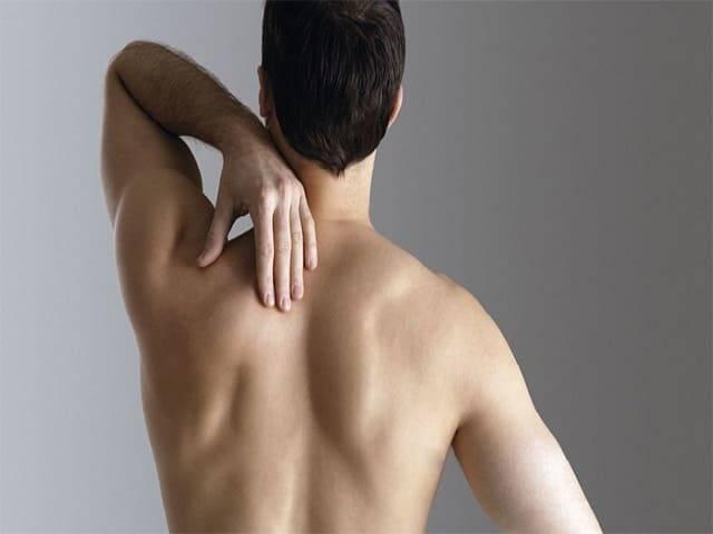 Боль под левой лопаткой сзади, слева, со спины - что может болеть