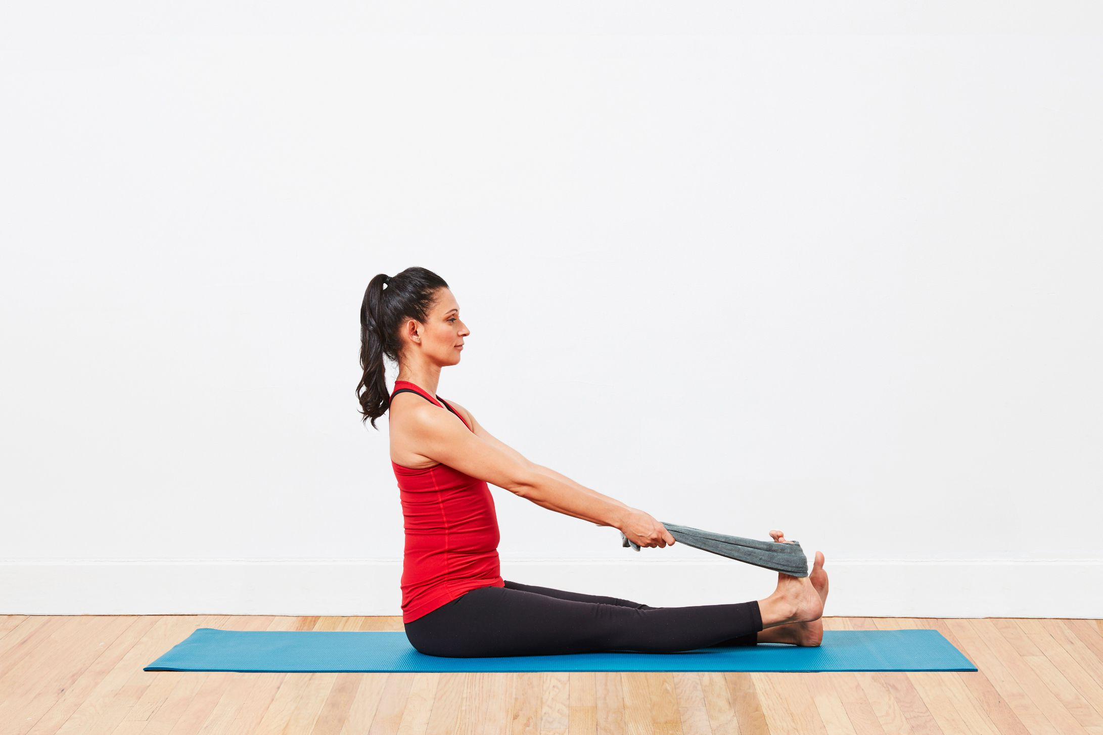 Топ-30 упражнений для растяжки ног: стоя и лежа (фото)