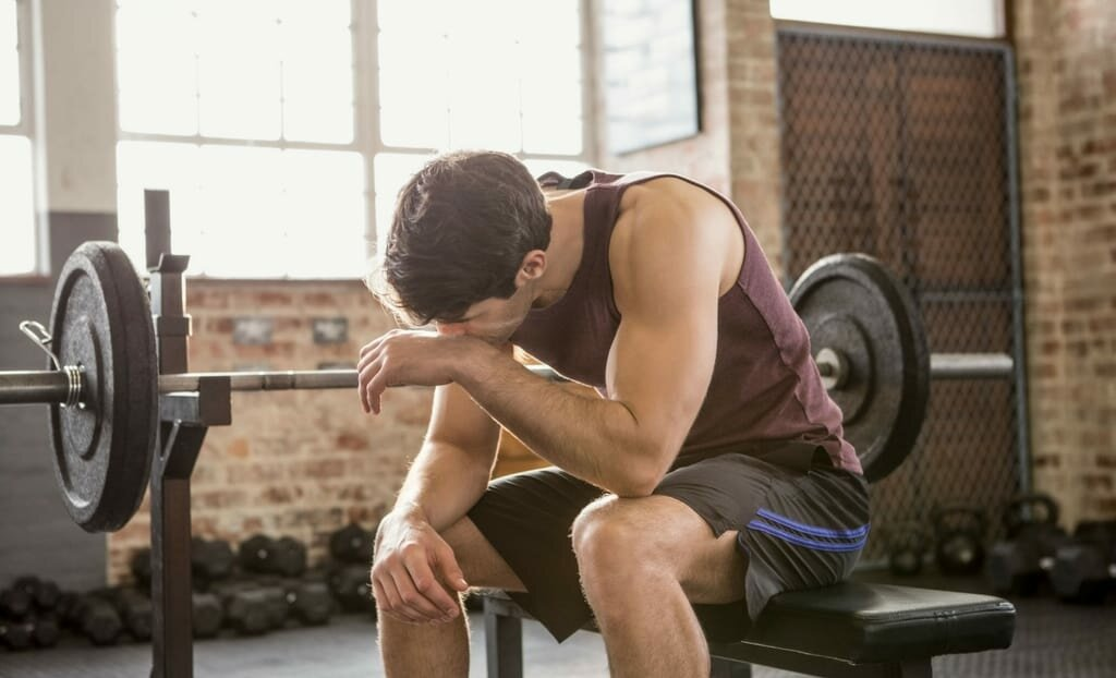 Можно ли заниматься спортом при простуде (полезны ли тренировки и бег при болезни)