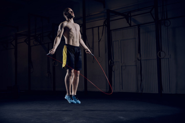 12-минутная тренировка виит со скакалкой для жиросжигания