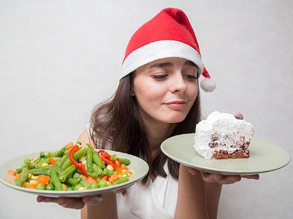 Как не переесть за праздничным столом и не набрать вес?