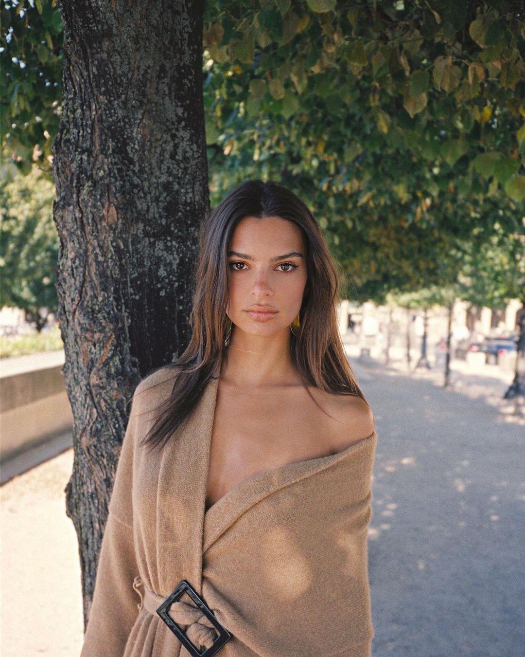 Эмили ратажковски: фото в инстаграм