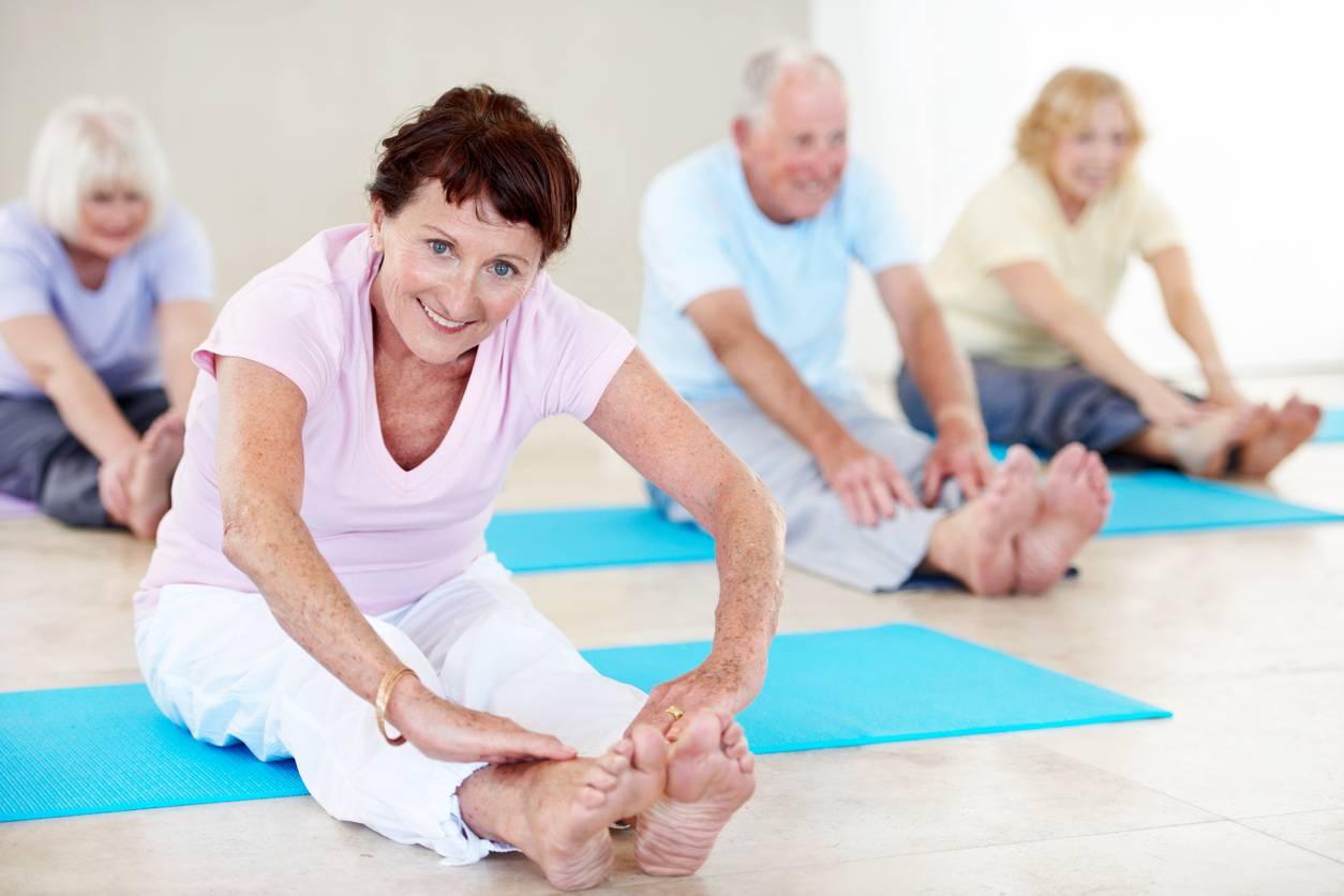 Упражнения при болях в коленях: лечебная гимнастика для суставов