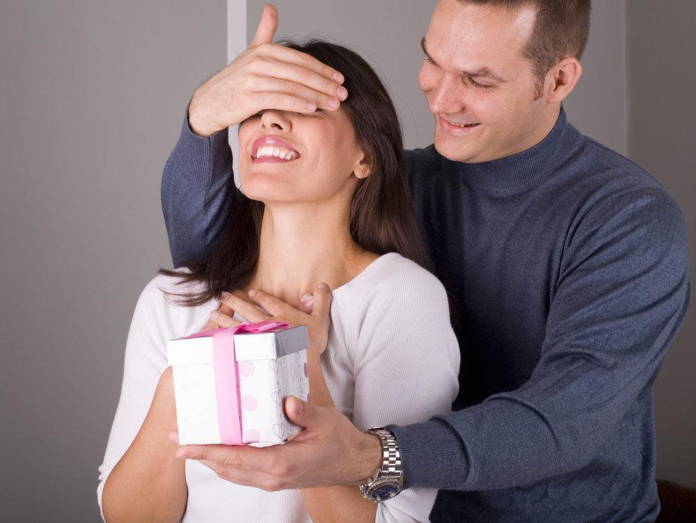 Как покорить мужчину: 20 способов показать свою заботу
