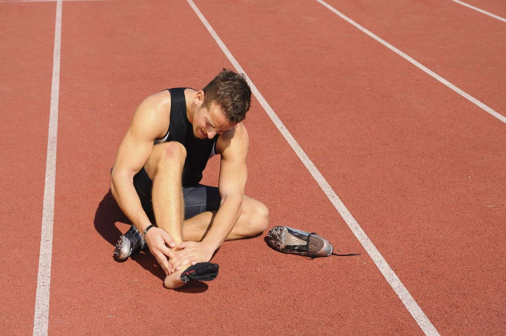 7 правил, как избежать травм во время бега