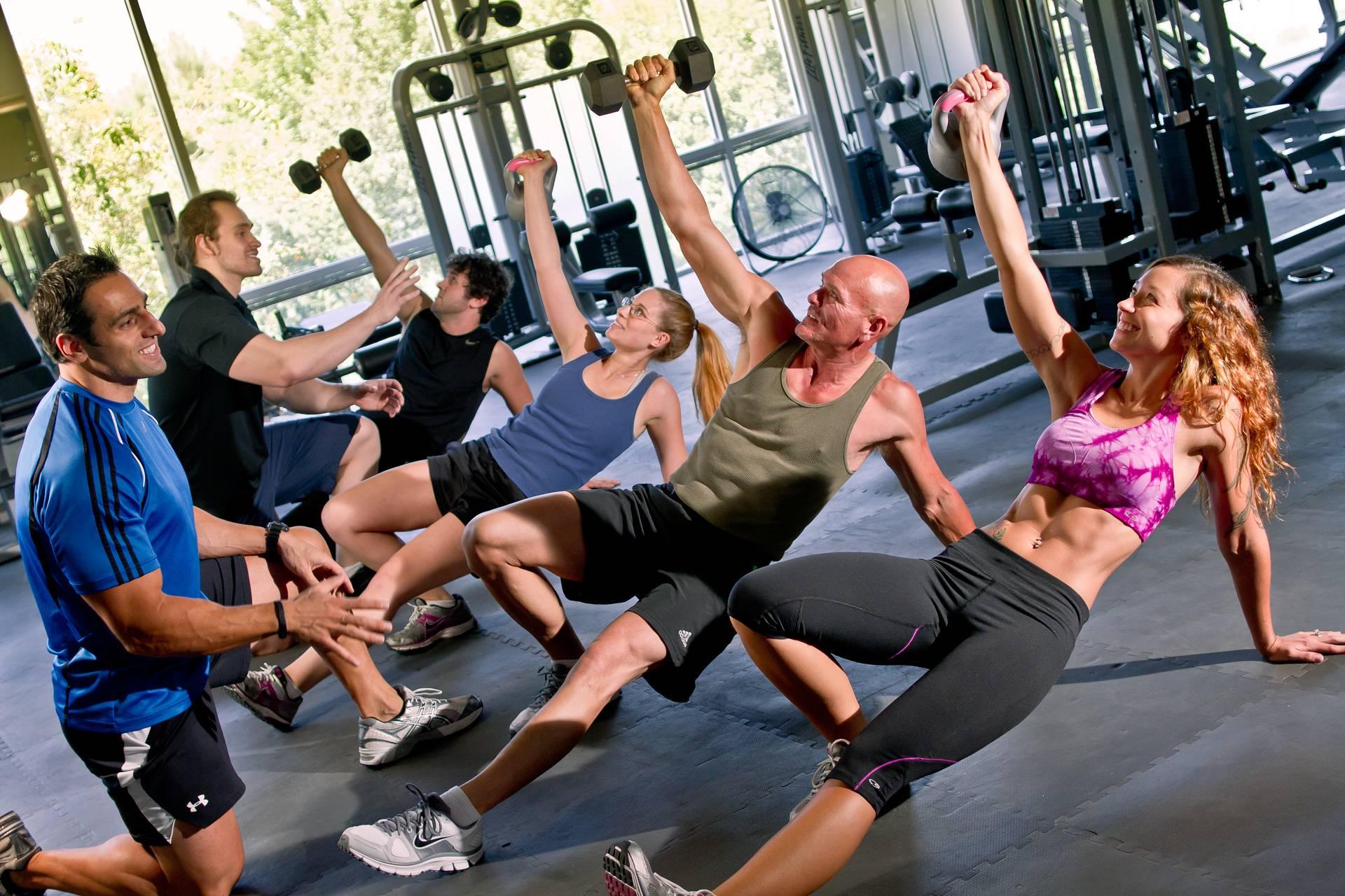 Круговая тренировка: 10 комплексов на все случаи жизни