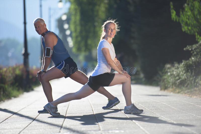 Топ-20 упражнений для разминки перед тренировкой (фото)