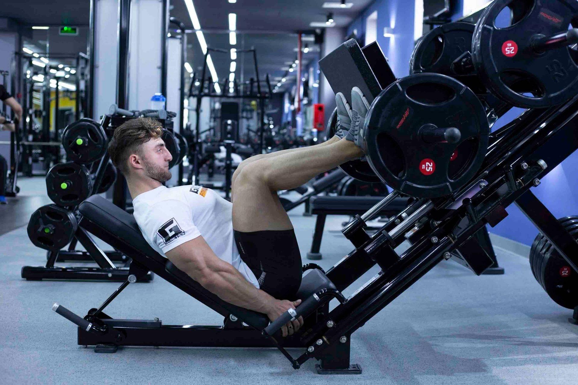 Жим носками платформы: видео и фото упражнения
