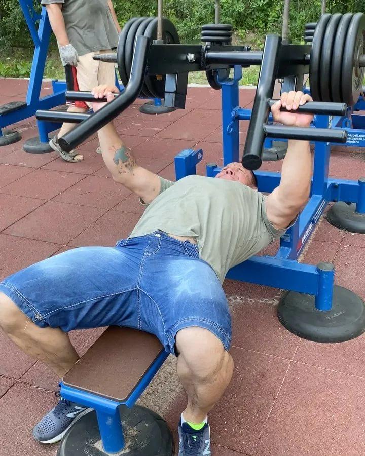 Вовк денис - биография, рост, вес силовика и пауэрлифтера, ютуб блогера. о регулировании веса тела атлетами какой у вас рост пауэрлифтинг