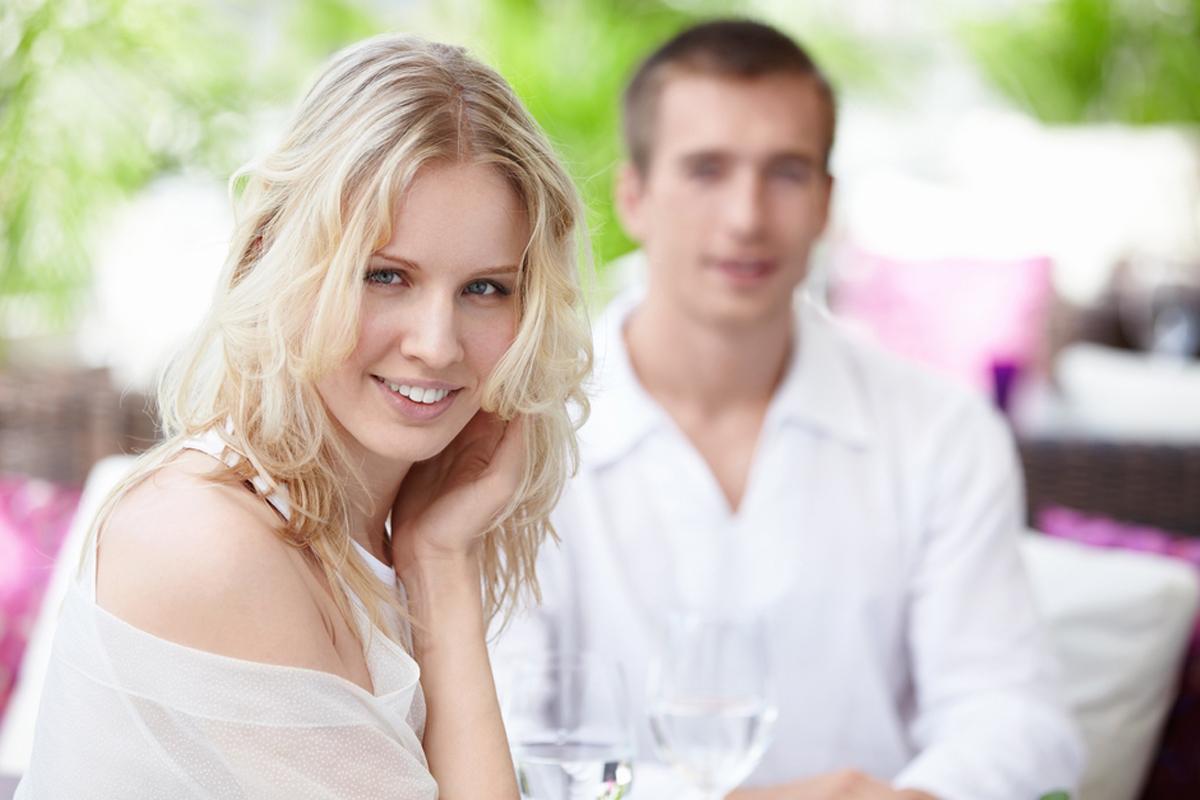 10 правил, как заинтересовать мужчину беседой. разговор мужчины и женщины: как привлечь внимание мужчины