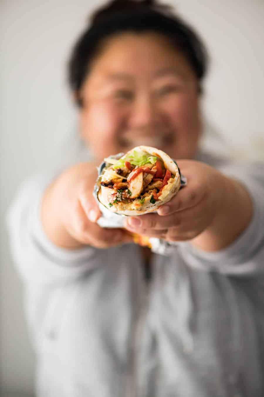 Чем популярна шаурма, а также польза и вред: стоит ли питаться данным блюдом