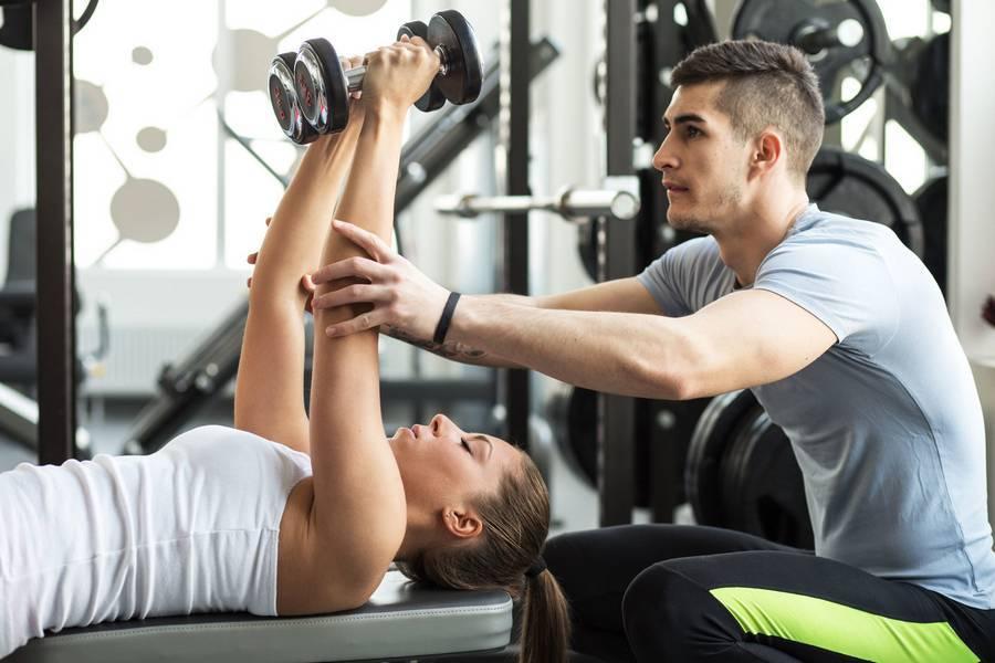C чего начать тренировку в тренажерном зале женщине?