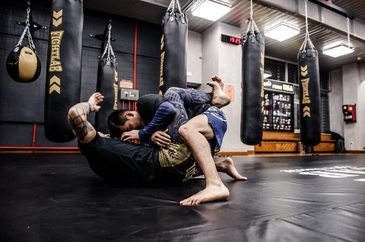 Большие мышцы в боевых искусствах: преимущество или помеха