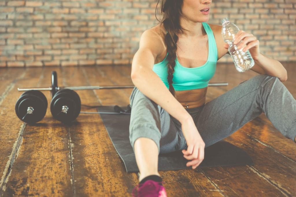 Можно ли пить воду после тренировки и почему нельзя выпить воду сразу