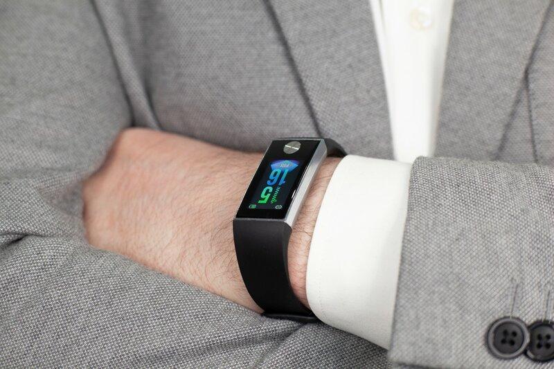 Топ-8 фитнес браслетов с измерением артериального давления в 2020 году