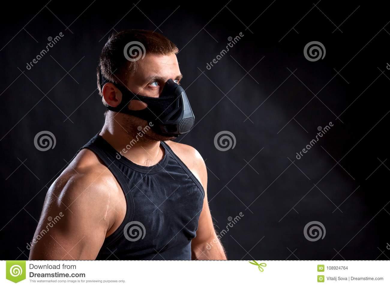 Особенности одежды для бодибилдинга, лучшие комплекты для тренировок
