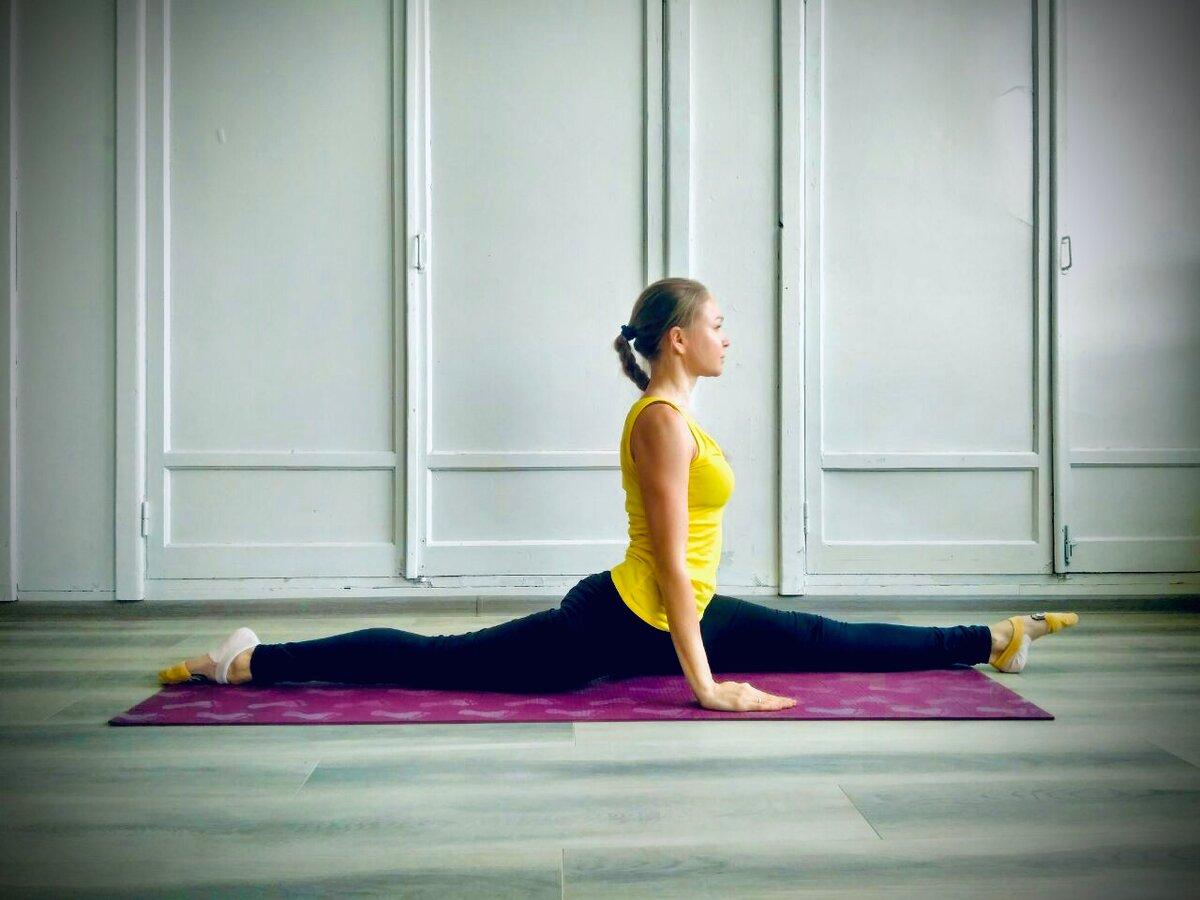 Продольный шпагат: 5 упражнений для начинающих, фото правильного шпагата