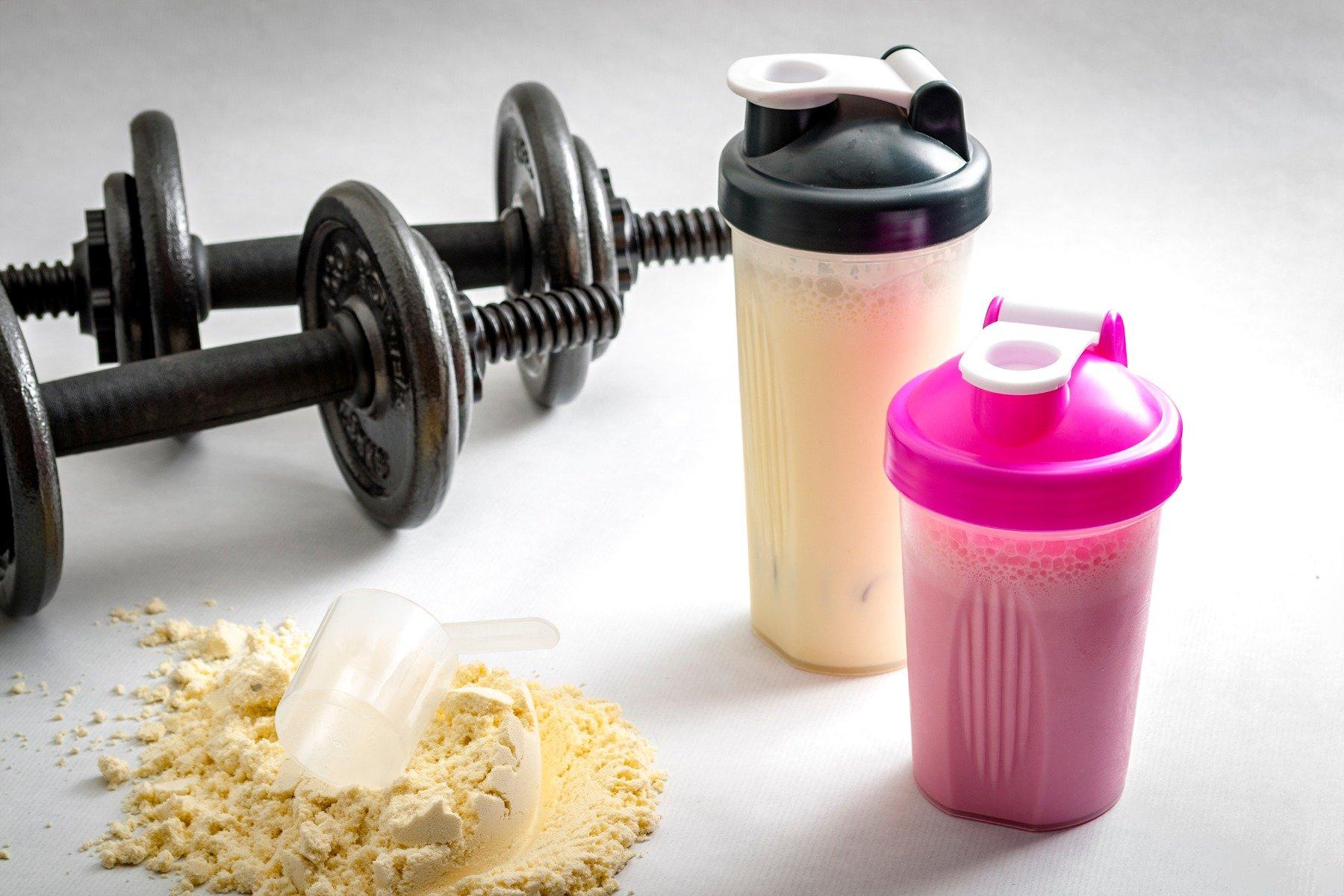 Когда нужно начинать пить протеин?