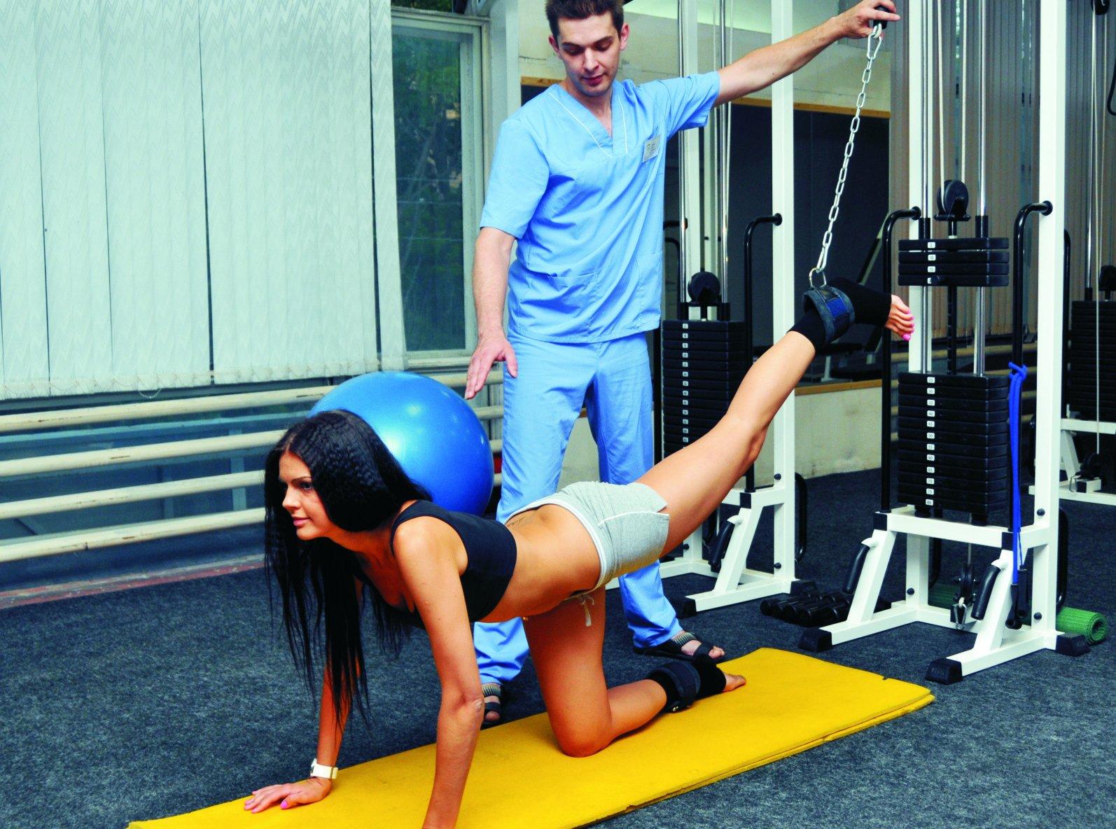 Осевые нагрузки на позвоночник упражнения в тренажерном зале
