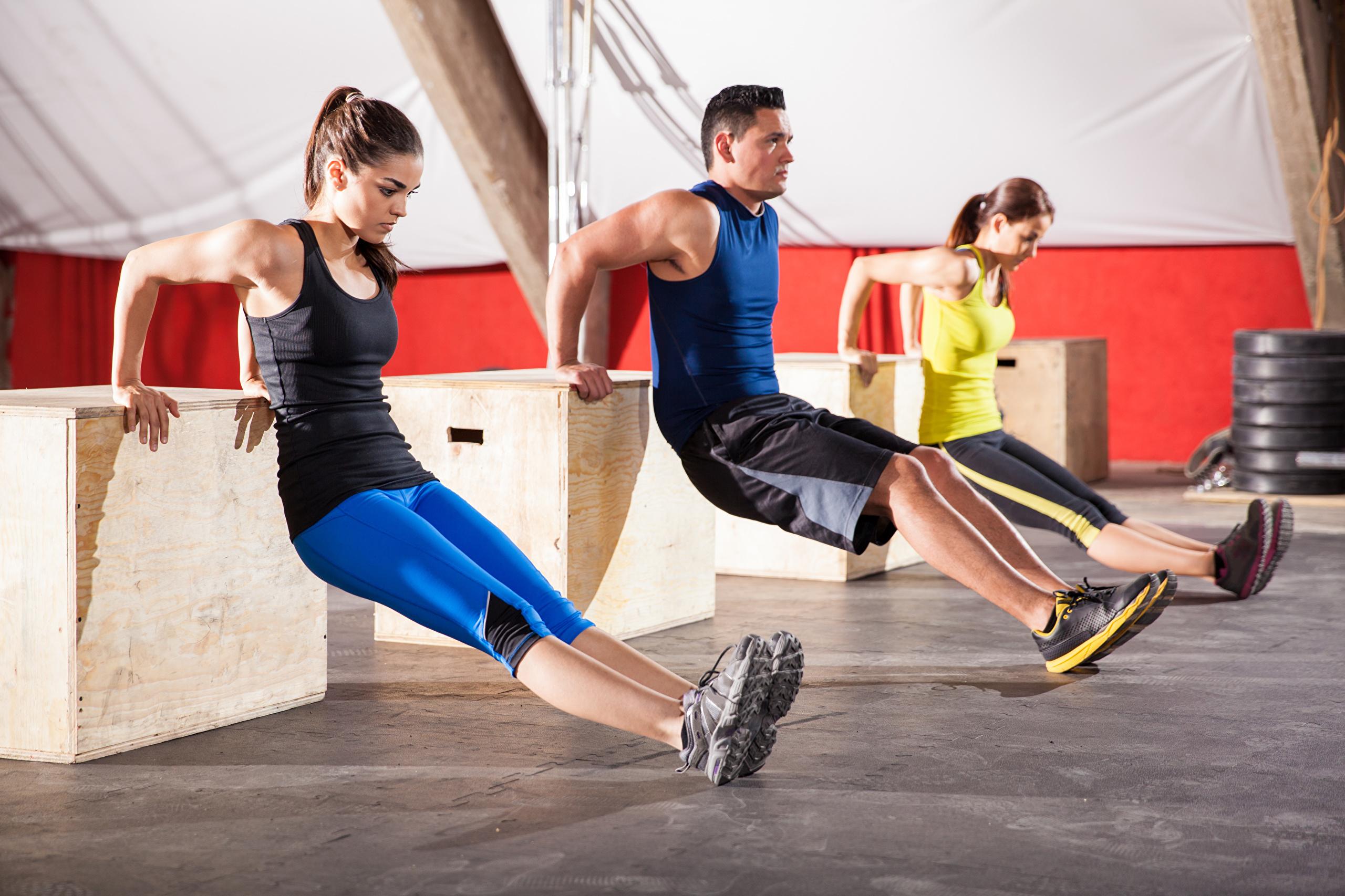 Что такое круговая тренировка и в чем её отличие от кроссфит комплексов?