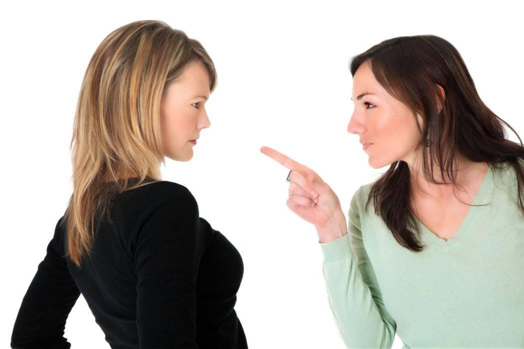 Способы ответить на оскорбление: от игнора до хамства