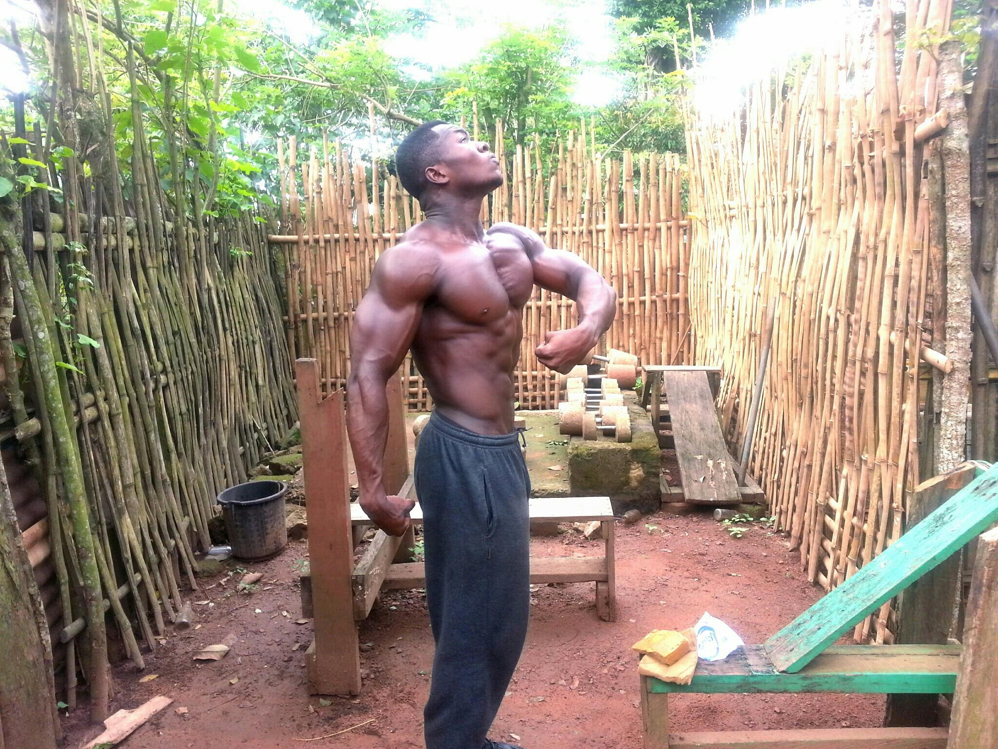 Самуэль Кульбила - качок-самородок из африканской глубинки