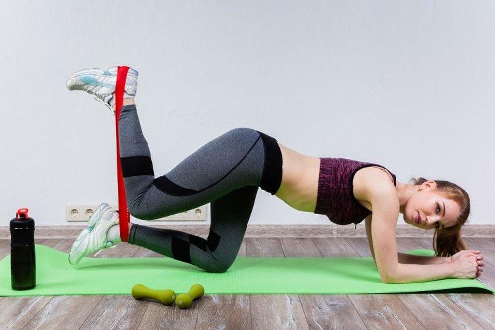 Резиновые петли: что это, польза + 25 упражнений (фото)