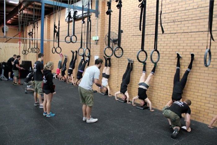Кроссфит комплексы упражнений: начинающим и опытным спортсменам
