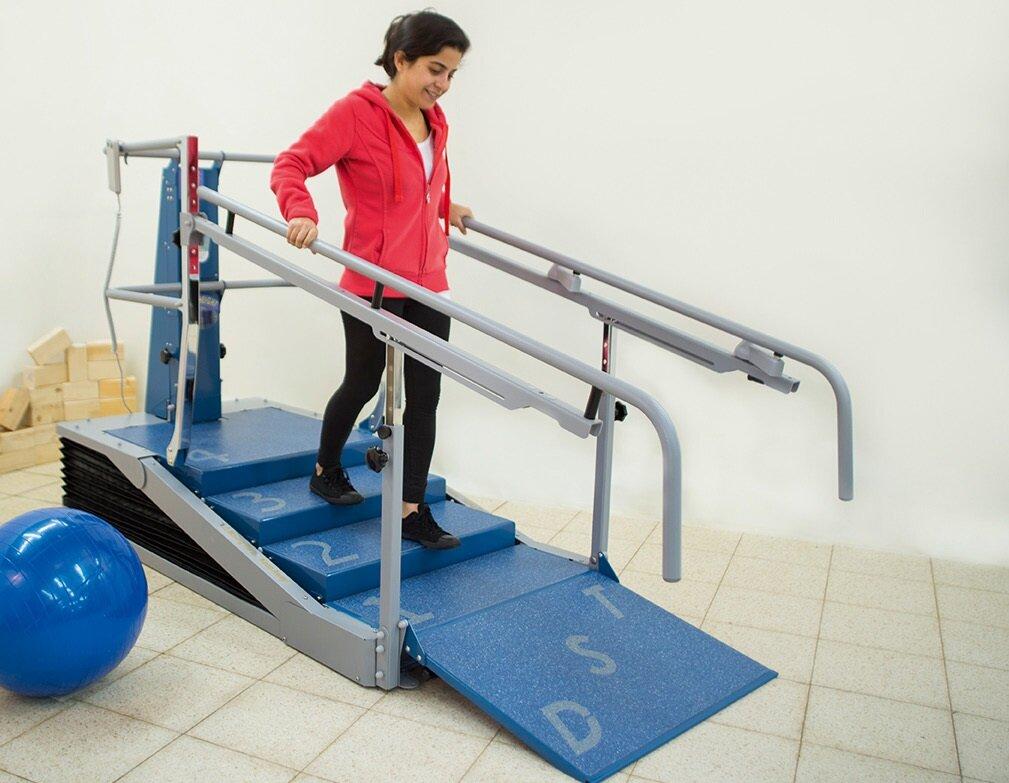 Аэробные занятия фитнесом на лестнице: правила и упражнения