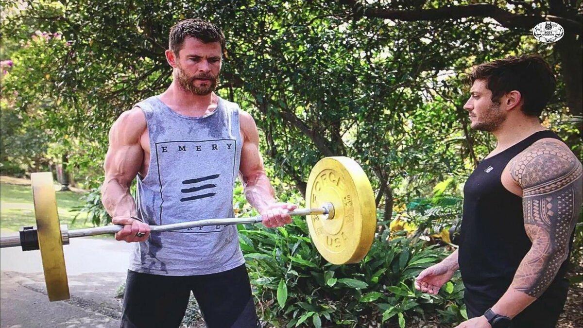 Домашние тренировки от звезд для мужчин | журнал esquire.ru