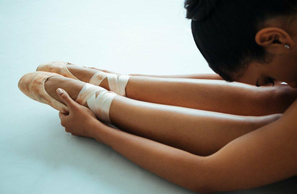 В балетной школе венской оперы рекомендовали детям курить, чтобы не набирать вес