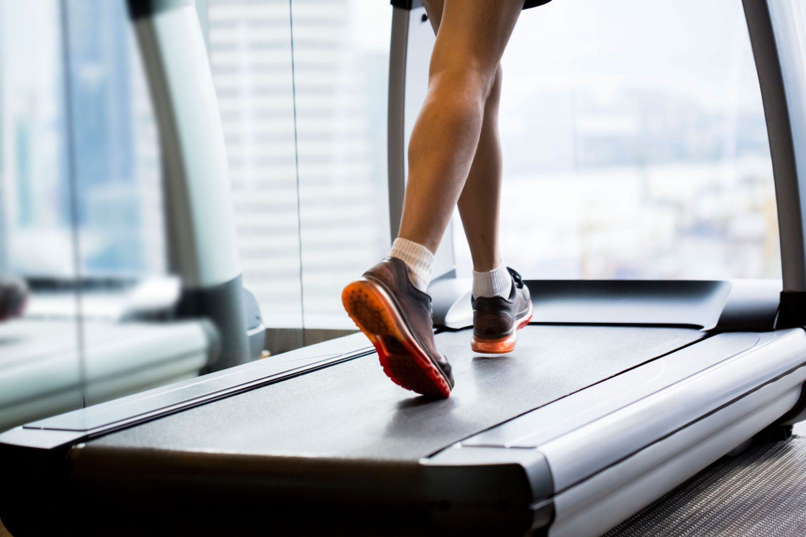 Ходьба на беговой дорожке | польза ходьбы для похудения