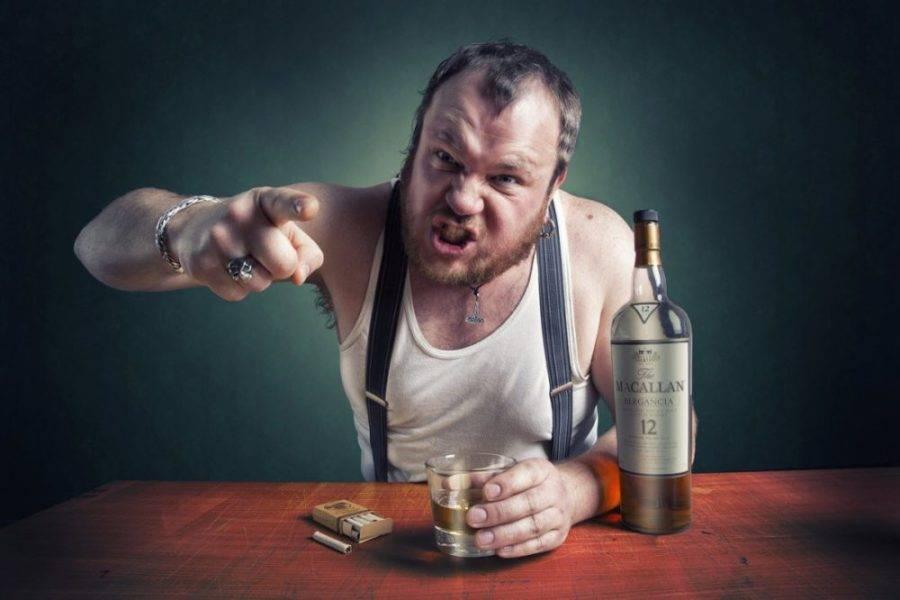 Почему у алкоголиков отказывают ноги после запоя и что делать
