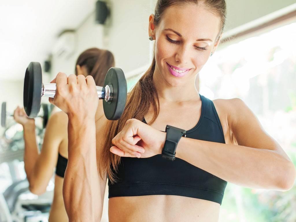 Когда лучше всего тренироваться, чтобы похудеть?