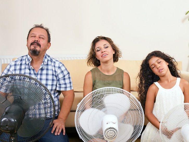 10 советов о том, как спастись от летней жары без кондиционера и вентилятора