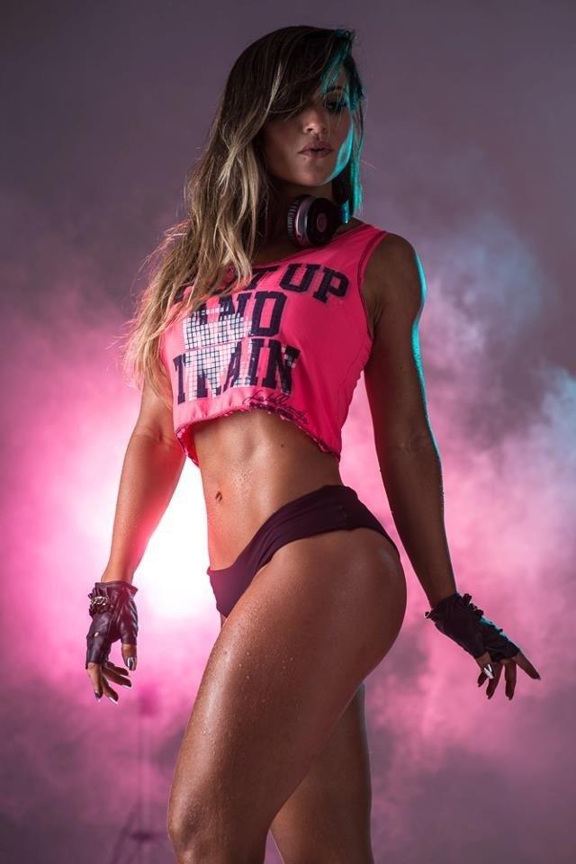 Фитнес-модели: реальные фотографии самых горячих и сексуальных моделей смотрите здесь!