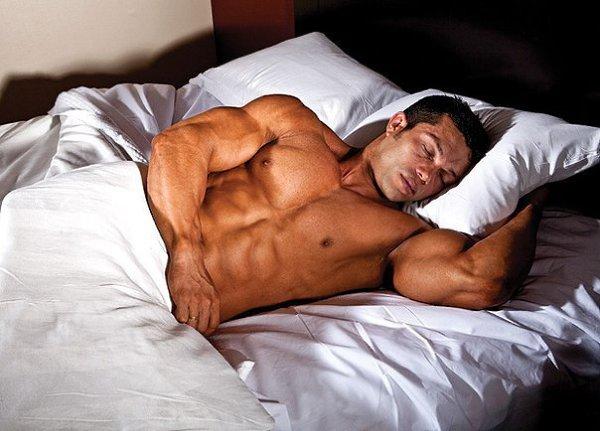 Можно ли заниматься спортом перед сном без вреда для здоровья