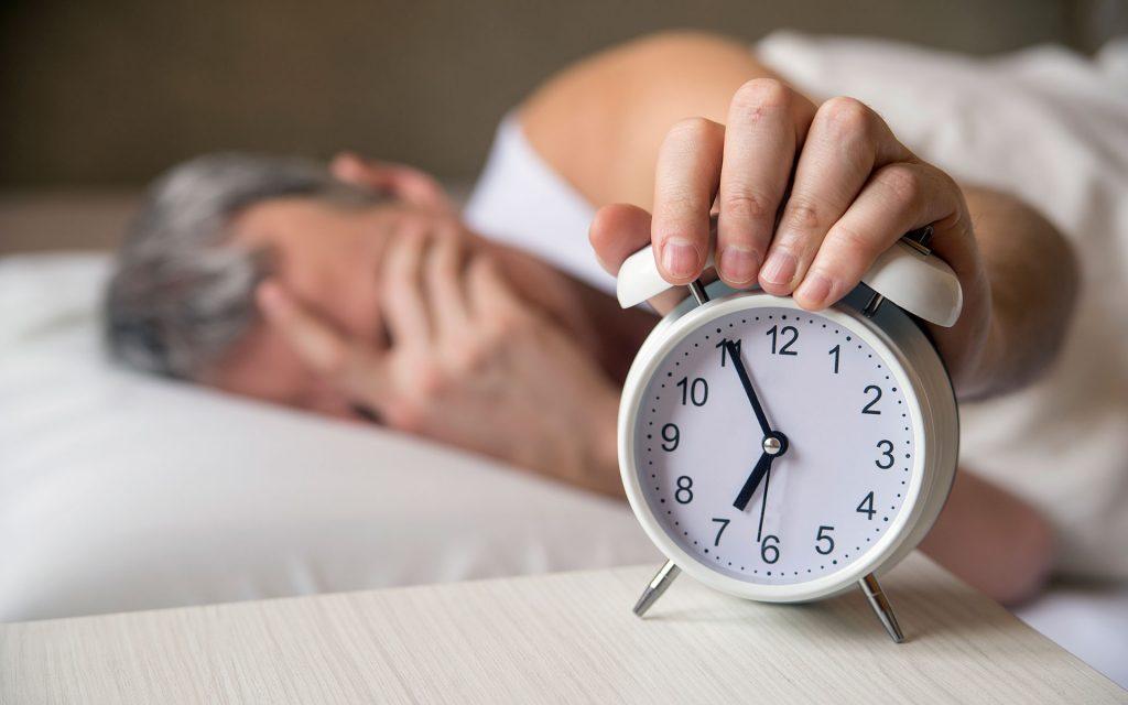 Как недостаток сна приводит к лишнему весу