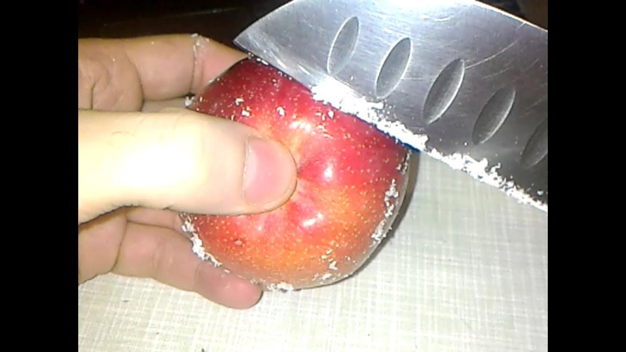 Воск на яблоках и других фруктах: зачем покрывают и не вреден ли